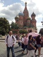 صحفي صيني يمثل جسر صداقة بين الصين وروسيا .jpg