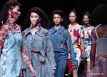 أسبوع الموضة في شنغهاي لربيع وصيف عام 2021 .jpg