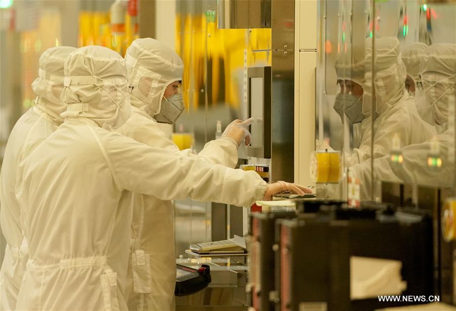 استئناف الإنتاج في ووهان مركز تفشي فيروس كورونا الجديد .jpg