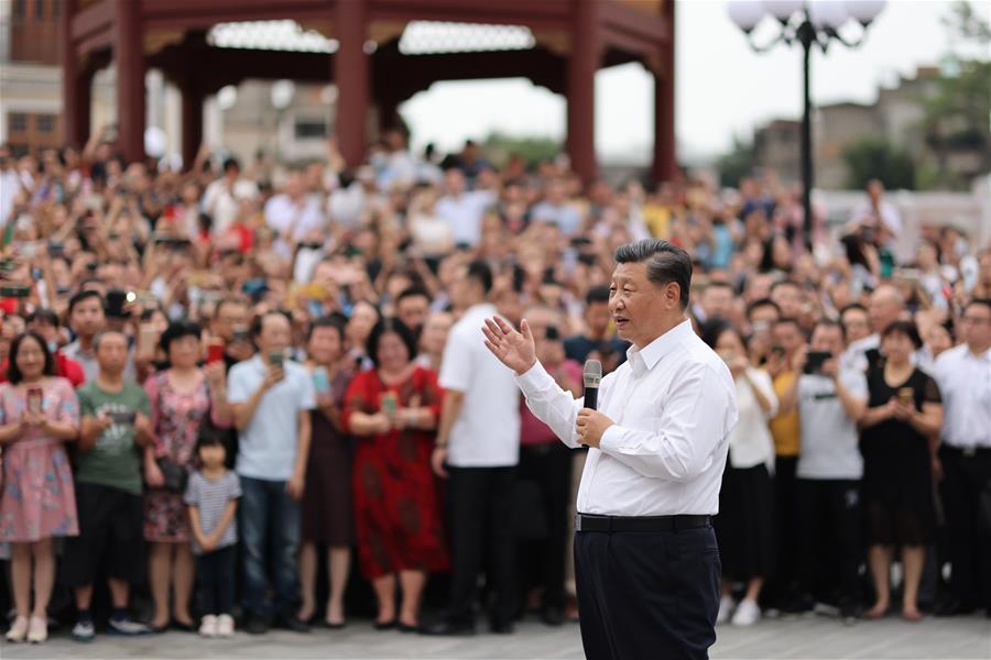 الرئيس الصيني يتفقد مدينة شانتو جنوبي الصين .jpg